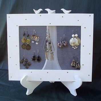 EARRINGS HOLDER On A Stand / Cream / 25 40 Earrings