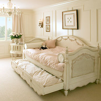 Bonne Nuit Daybed in Choice of Finish