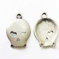 set of 5 winking skull charms, 27mm x 39mm, gun metal finish metal alloy - C124