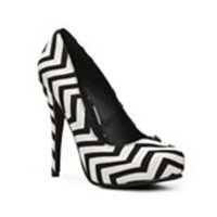Michael Antonio Love Me Chevron Pump