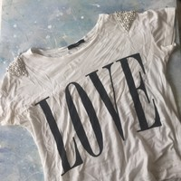LOVE Tee t-shirt with beaded Pearl shoulders