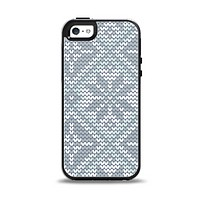 The Knitted Snowflake Fabric Pattern Apple iPhone 5-5s Otterbox Symmetry Case Skin Set