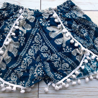 Pom pom Trim Shorts Elephants Boho Print Summer Beach Chic Fashion Tribal Aztec Ethnic Clothing Bohemian Ikat Clothes Hobo Cute Women in Blu