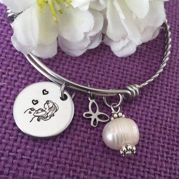 Expecting Mommy Gift Bracelet  - Mommy to Be jewelry - Gift for mom - Baby shower gift - New mom - Baby gift