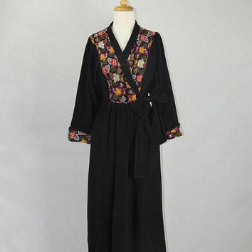 Vintage 1970s Embroidered Dressing Gown Robe Vanity Fair Bombshell