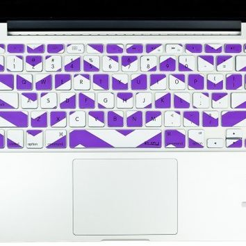 "Kuzy - Purple Chevron Zig-Zag Keyboard Cover for MacBook Pro 13"" 15"" 17"" (with or w/out Retina Display) iMac and MacBook Air 13"" Silicone Skin - Purple"