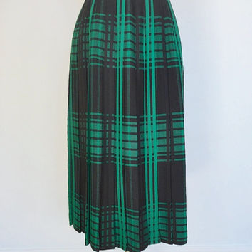 Vintage Plaid Skirt / Black and Green Wool / Midi Skirt / Weathervanes USA / Size 8 Medium M