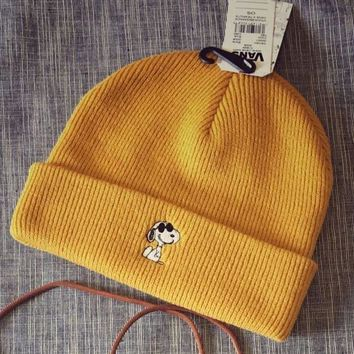 Vans Fashion Unisex Personality Snoopy Cartoon Embroider Warm Knit Hat Cap