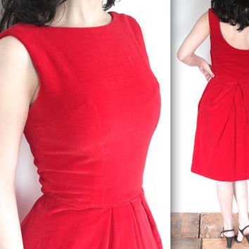 SALE Vintage 1950s Dress // 50s Red Velvet Wiggle Dress // 50s Mad Men Cocktail Party // DIVINE