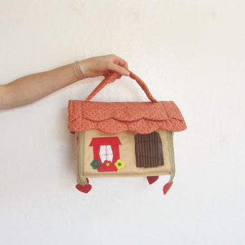 HOUSE shaped purse . kid animal playhouse toy . this bag has it all
