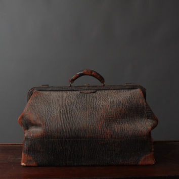Vintage Large Black Leather Doctors Bag  Leather by thedriftingfox