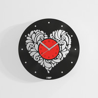 Heart shaped wall clock from upcycled vinyl record (LP) | Hand-made gift for lover | Unique, original home wall decoration for girlfriend