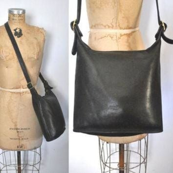 ONETOW Coach Bucket Bag / DISTRESSED black leather purse tote
