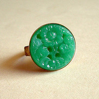 Emerald Green Floral Glass Ring Vintage Faux Carved by skeptis