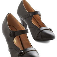 Vintage Inspired Wear Anywhere Heel in Noir
