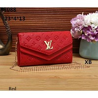 LV Louis Vuitton 2018 new trend fashion Messenger hand chain bag F-a-BBPFCJ red