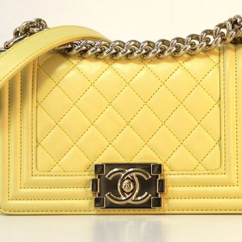 Brand New Chanel 100% Authentic Quilted Le Boy Leather Flap Bag w/ Gold Hardware
