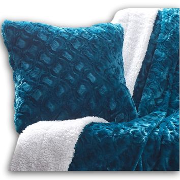 DaDa Bedding Luxury Faux Fur Euro Throw Pillow Cover, Mermaid Scales Teal Green (171805)