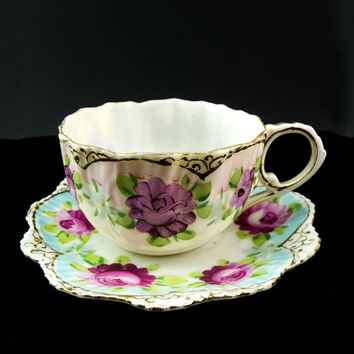 Delicate Antique Scalloped Lavender Pink Tea Cup & Saucer Set Eggshell Porcelan Entirely Hand Painted Cabbage Roses