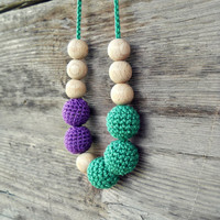 Crochet Teething Necklace Green Purple Nursing Necklace Breastfeeding Wood Bead Teething Mom Necklace Baby shower Gift Waldorf Baby