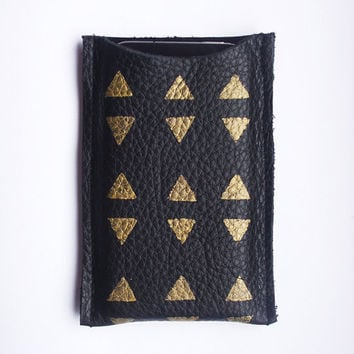 iPhone 4, 4s, 5 sleeve // black leather with golden triangle pattern