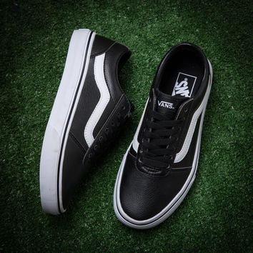 Vans/ black leather casual shoes