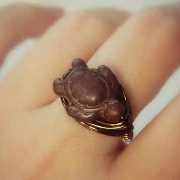 Turtle Wrapped RING. Size 8.25- Turquoise - Brown, Chocolate, Gun Metal, Brass, Otter Brown, Bronce, Grey, Dark, Fall, Simple, Animal