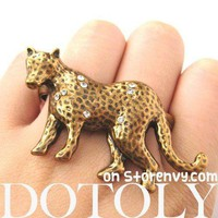 Detailed Leopard Cat Shaped Double Finger Animal Ring in Brass | DOTOLY