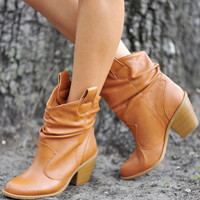 Talk Of The Town Boots: Camel | Hope's