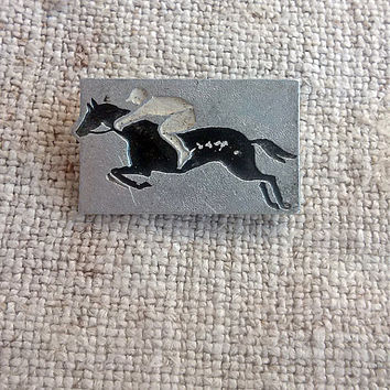 Equestrian horse sports pin Vintage Horse racing badge Dressage decor Equine farm horse ranch Wild horse mustang mare Country western style