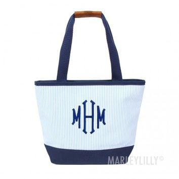 Monogrammed Seersucker Lunch Box | Marleylilly