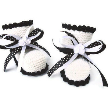 baby booties,  Newborn shoes, Black and White