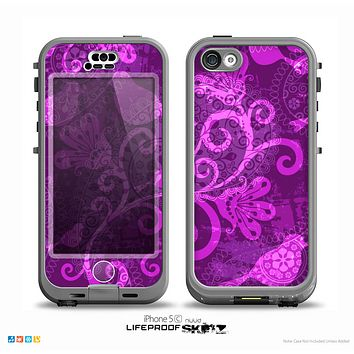 The Bright Pink & Purple Floral Paisley Skin for the iPhone 5c nüüd LifeProof Case