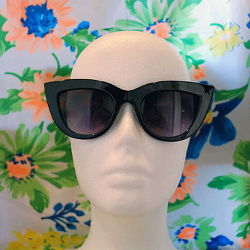 The Jade | Vintage Large Black Pointy Cateye Sunglasses Dark Lenses Retro