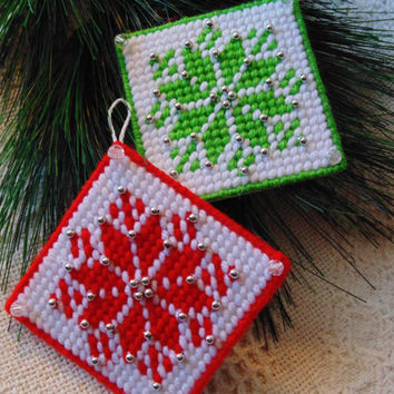 Needle Art Christmas Tree Ornaments SET Green and Red Diamond Snowflake  Quilt Style