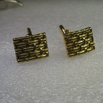 Cuff Links, Unisex, Goldtone with woven pattern - look new