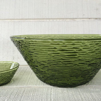 Vintage Soreno Avocado Green large serving Bowl and small dip bowl, vintage chip / dip bowl, green glass salad bowl, Mid century kitchen