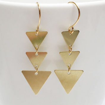 Triple triangle earrings, gold triangle earrings, hipster earrings, geometric earrings, geometric gold earrings, dangle triangle earrings
