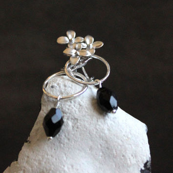 Edelweiss // silver earrings with black crystal bead - sterling silver everyday jewelry - winter earrings