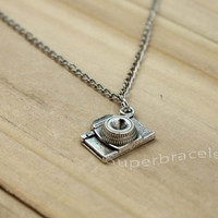 Camera Necklace Pendant Antique Vintage Jewelry Silver, present for girlfriend and BFF