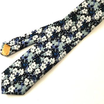 Blue Floral Necktie, Blue Necktie, Man Necktie, Man Floral Tie, Mens Tie, Wedding Tie, Wedding Necktie