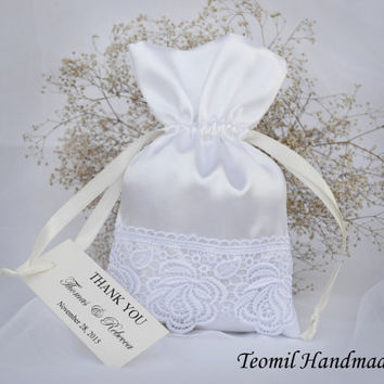 Wedding Favor Bag, Lace Wedding Thank You Favor Bags, White Wedding Gift Bag with Custom tag, French Wedding, SET OF 25