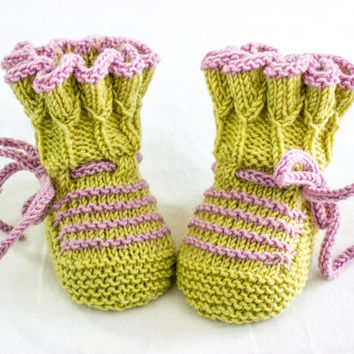 """INSTANT DOWNLOAD PATTERN,Knitting Pattern, Baby Booties, """"Tulip"""" Pleat Top Booties, Baby Knitting Pattern, Cute Booties Pattern"""