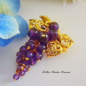 Vintage Avon Signed Fall Grapes Pin Avon Jewelry Vintage Brooch Vintage Jewelry Vintage Avon Pin Vintage Pin Avon Brooch Grape Cluster Pin