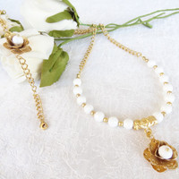 White Onyx Necklace and Bracelet Set, Wedding Jewelry Set, Flowers Necklace and Bracelet Set, Gold , Wedding Necklace and Bracelet Set