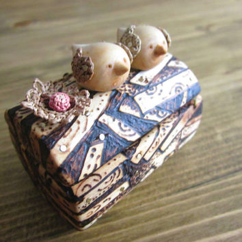 Loving birds engagement ring box, Rustic Wedding, Handmade Ring Box, Unique engagement, wood carving, Marry Me box, One of a kind ring box