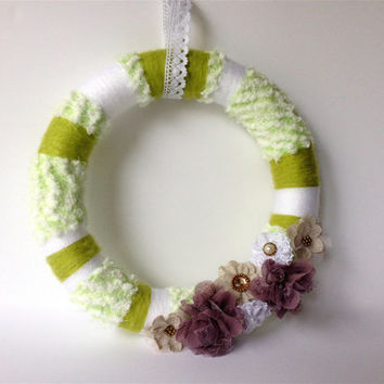 White and Green Wreath, Flower Yarn Wreath, 12 inches