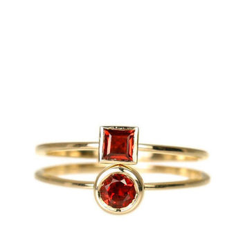 red Garnet solitaire ring, red Garnet solitaire ring, red Garnet engagement ring, garnet wedding 14K yellow gold, red gemstone.