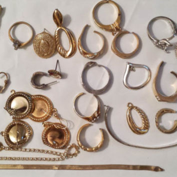 Vintage Broken Jewelry Lot, Jewelry Supplies, Junk Jewelry Lot, Destash, Mixed Jewelry, Craft & Art Supplies