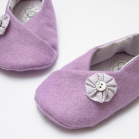 Lilac felt booties for little girl, 6-9 months. Ready to ship
